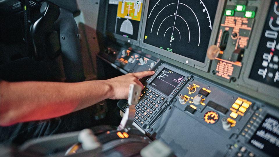 Grands écrans de poste de pilotage de Boeing737 MAX