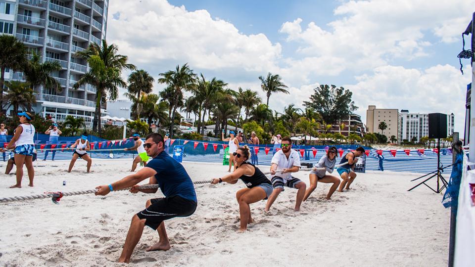 Compétition sportive de plage organisée par TRU à Tampa